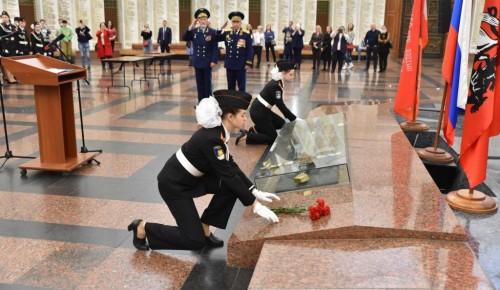 Школьники Теплого Стана принесли клятву кадет и Юнармейцев