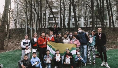 Молодежь Черемушек приняла участие в соревнованиях  по воркауту