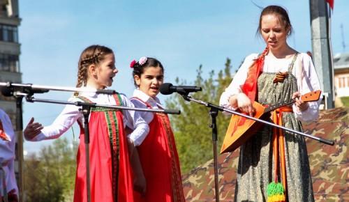 Жителей Ломоносовского района приглашают на первомайские онлайн-мероприятия