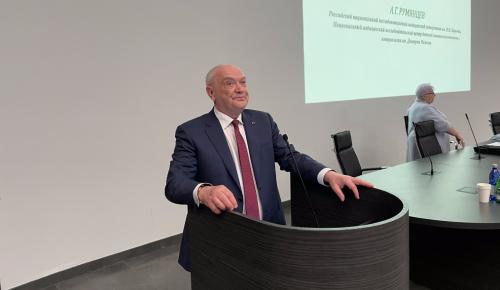 Доктор Румянцев обсудил со студентами университета Пирогова успехи и проблемы здравоохранения