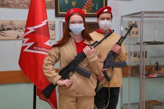 Семиклассников школы № 554 приняли в кадеты