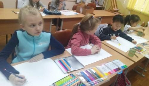 В центре досуга и спорта «Обручевский» прошел мастер-класс по рисованию