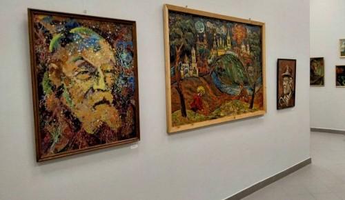 Федоровская библиотека приглашает на экскурсию по выставке
