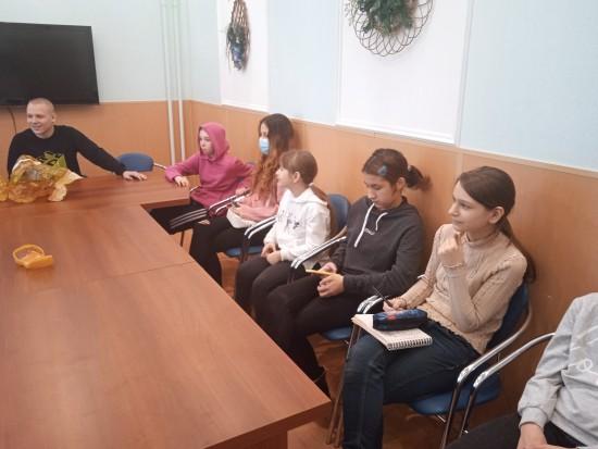 В социальном центре Ломоносовский прошел «Месячник безопасности