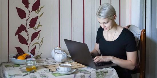 С 30 апреля еще пять социальных госуслуг полностью перейдут в электронный вид