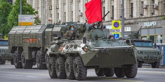Москвичам напомнили об изменениях в движении транспорта из-за репетиций парада Победы