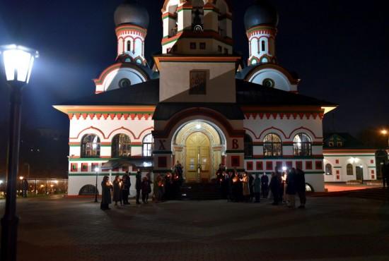 В храме Живоначальной Троицы в Старых Черемушках совершили  торжественные богослужения в честь Пасхи