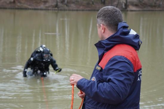 В ЮЗАО проведена проверка безопасности водных объектов