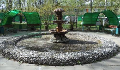 В Котловке включили фонтаны на Нагорной улице и Севастопольском проспекте