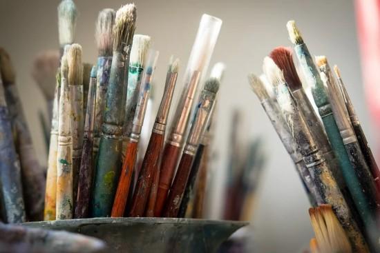 Жителей Северного Бутова пригласили на мастер-класс по живописи маслом в библиотеку № 192