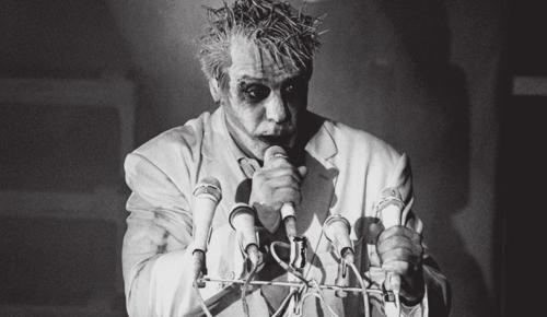 """В кинотеатре """"Салют"""" покажут московский концерт лидера групы Rammstein"""