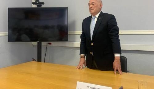 Чрезвычайную ситуацию с демографией в стране решит увеличение финансирования медотрасли — доктор Румянцев