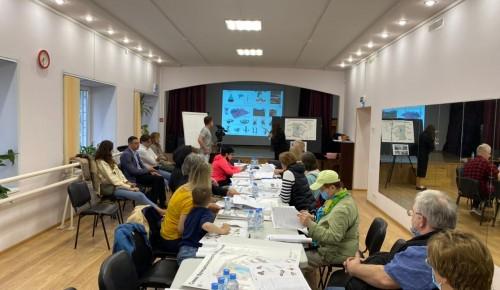 Концепцию развития двора обсудили на встрече жители Черемушек с представителями программы «Мой район»
