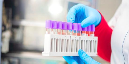 «Это правильно!»: вирусолог поддержал программу поощрения вакцинации для старшего поколения