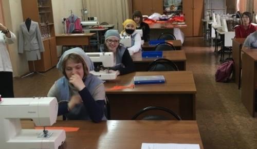 Ученицы 8-9 классов школы № 108 сдали квалификационный экзамен