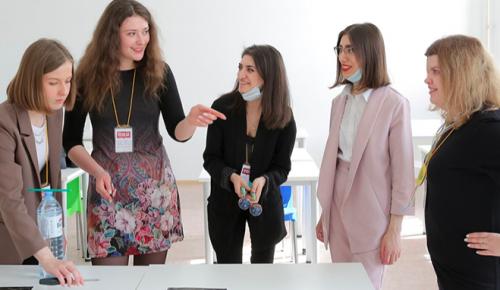 Студенты и недавние выпускники могут пройти стажировку в Правительстве Москвы