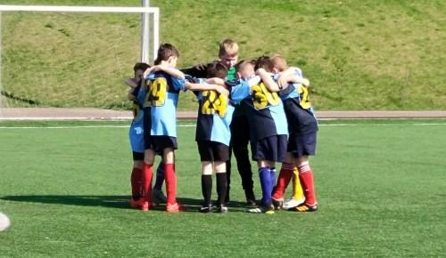Юные футболисты из Черемушек вышли в финал турнира «Кожаный мяч»