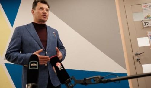 Летчик-космонавт Романенко и депутат МГД Семенников договорились совместно решать транспортные проблемы ЮЗАО