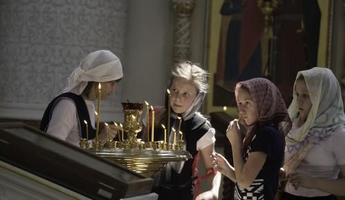 Выпускникам Воскресной школы Храма Феодора Ушакова в Южном Бутове вручили свидетельства об окончании