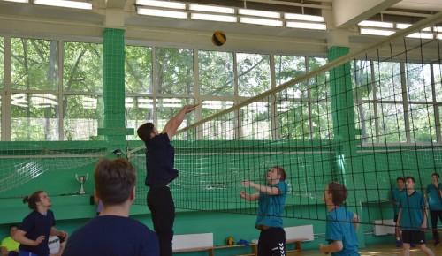 В школе №2086 прошёл суперфинал Кубка Директора по волейболу