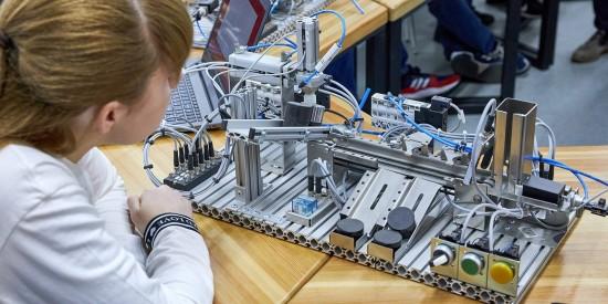 Детские технопарки Москвы приглашают на летние интенсивы и образовательные смены — Сергунина