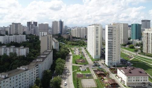 В Ясеневе сделали капитальный ремонт в 10 домах