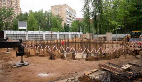 Храм Луки при больнице Виноградова достроят к концу следующего года