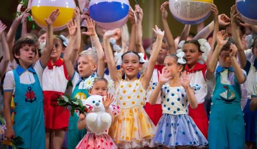 В Московском дворце пионеров прошёл концерт Ансамбля песни и пляски имени Локтева