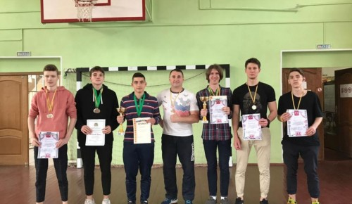 Школьники из Теплого Стана стали призерами турнира по общефизической подготовке