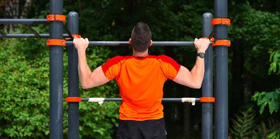 Москвичей пригласили на тренировки в парках с профессиональными спортсменами