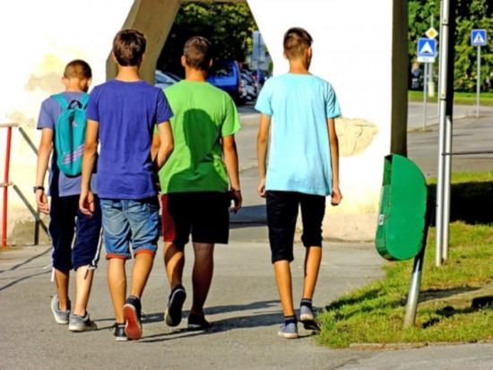 Четыре ученика школы №1356 проведут каникулы в юнармейском летнем лагере