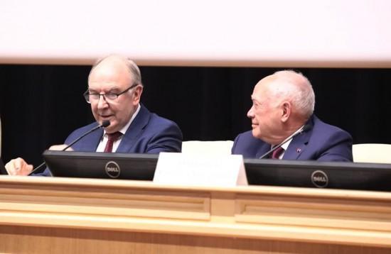 Румянцев: увеличение финансирования медицины — путь к здоровью нации
