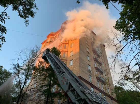 2 человека погибли при пожаре в Университетском проезде