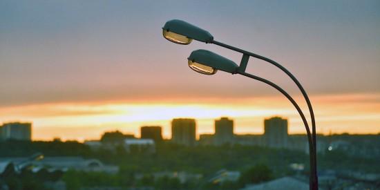 В Гагаринском районе в 2021 году установят 79 новых фонарей во дворах и на территориях образовательных учреждений