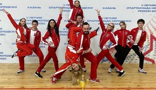 Воспитанники отделения «Севастопольский» стали серебряными призерами соревнований по акробатическому рок-н-роллу