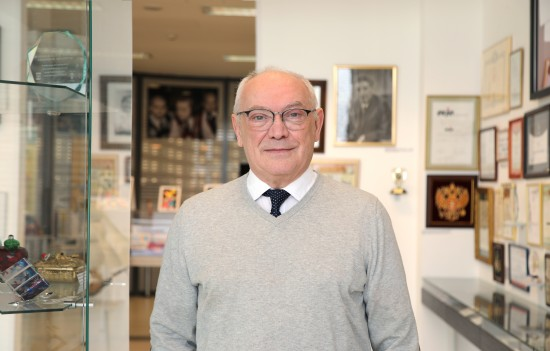 Доктор Румянцев: начинающие врачи должны получать не менее 4 МРОТ