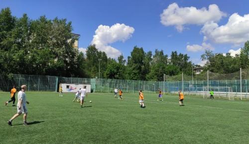 Сборная Академического района завоевала третье место в окружных соревнованиях по мини-футболу