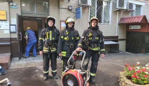 Дежурный караул 38 ПСЧ ликвидировал пожар на Ленинском проспекте