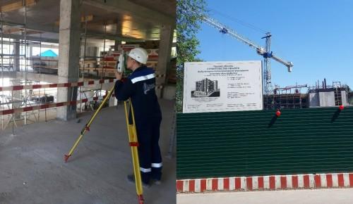 Сотрудники ЦЭИИС проверили строительство кликики ЭКО в Котловке