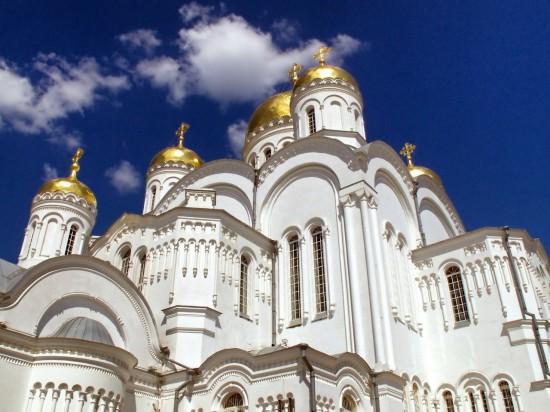 Священнослужитель храма в Ясеневе принял участие в программе