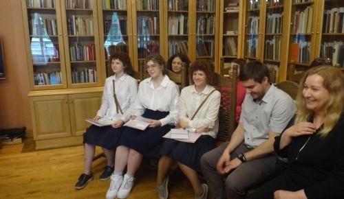 Девятиклассникам школы при Андреевском монастыре вручили аттестаты
