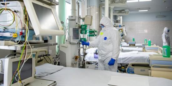 В Москве врачи развеяли мифы о вакцинации от COVID-19