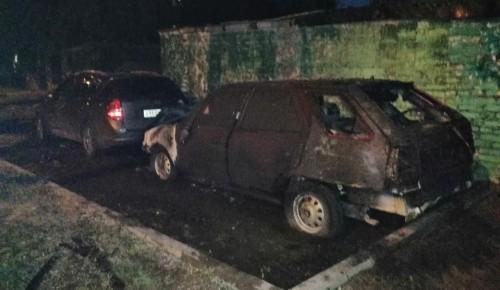 В Академическом районе сгорел автомобиль из-за скопившегося пуха