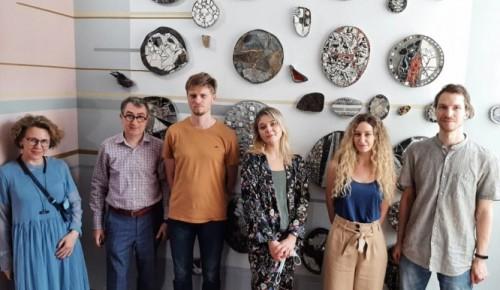 Белорусские студенты украсили ГИТИС мозаикой и росписью