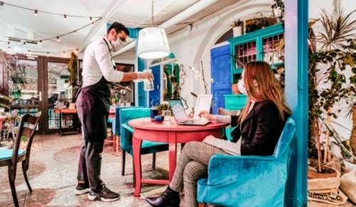 Летние кафе и веранды в Москве можно будет посещать без QR-кода до 12 июля