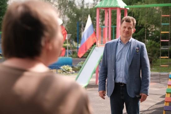 Роман Романенко поддержал жителей Южного Бутова в вопросе отмены платной парковки