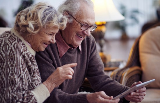 Жителей Теплого Стана преклонного возраста приглашают принять участие в онлайн-активностях на следующей неделе