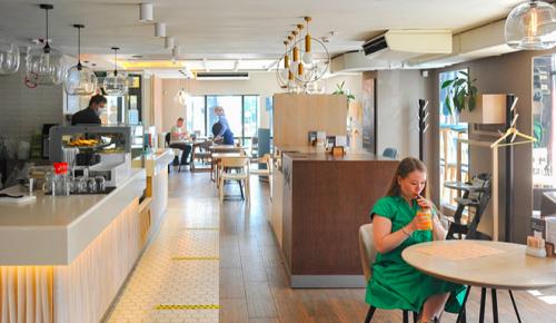 Столичные рестораны начинают работу по правилам COVID-free