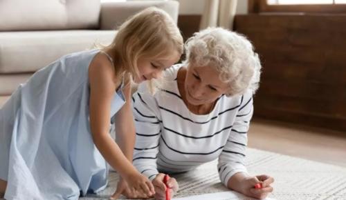Долголеты из Черемушек смогут принять участие в познавательных онлайн-программах