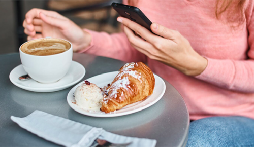 Московские рестораны начинают работу по правилам COVID-free